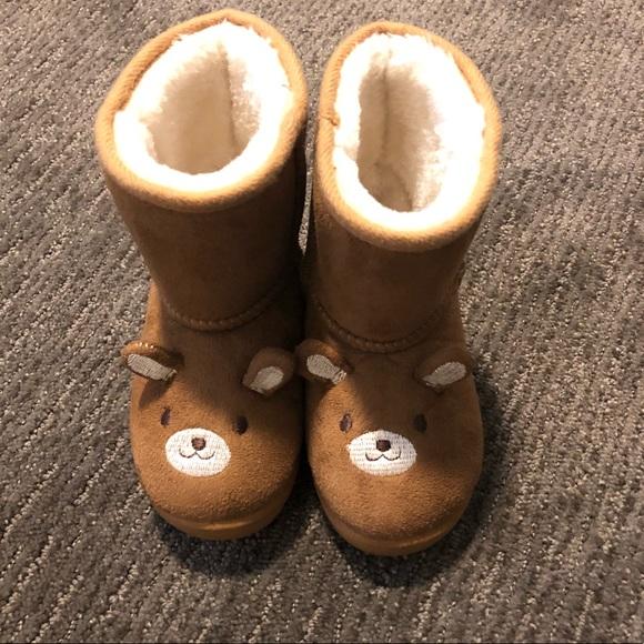 6eea61daab9 Adorable bear Ugg style boots